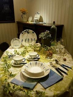 フランス洋食器メーカージアンブテック大阪の3月のテーブルデザイン2